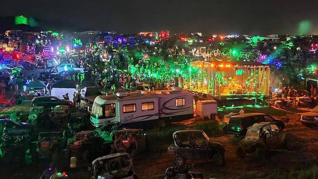 Drogas, alcohol, una garganta cortada y un hombre atravesado por la rama de un árbol: culmina el festival 'Redneck Rave' en EE.UU.