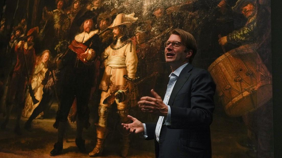 FOTO: Logran restaurar los fragmentos recortados de la famosa pintura 'La ronda de noche' de Rembrandt