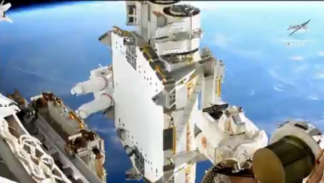 La NASA muestra una impresionante vista de la Tierra a 410 kilómetros de altura con astronautas fuera de la EEI