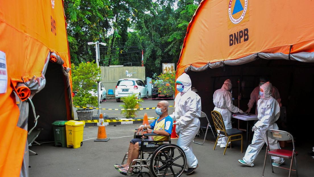 Indonesia alcanza un nuevo récord de infecciones diarias por covid-19 con su sistema sanitario al borde del colapso
