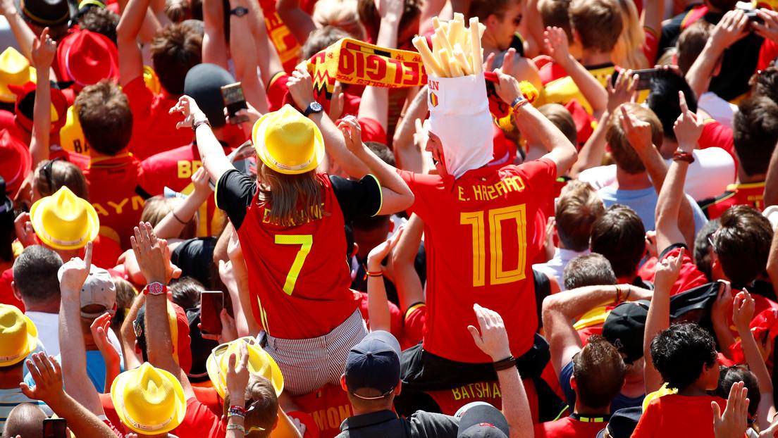España: La Policía desaloja a unos 60 hinchas de la selección belga que bebían alcohol en un bar de Sevilla