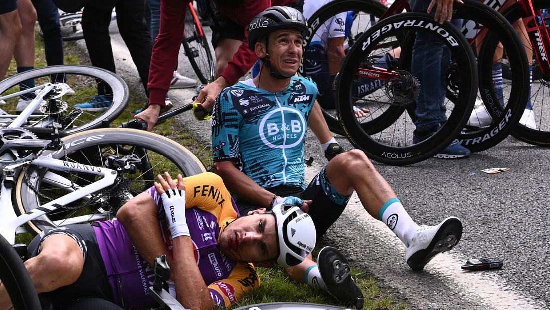 Tour de Francia demandará a la espectadora que causó la masiva caída de los ciclistas