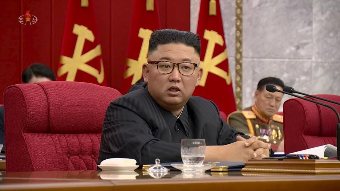 """A los norcoreanos les """"duele el corazón"""" ver el """"demacrado aspecto"""" de Kim Jong-un, según la televisión estatal"""