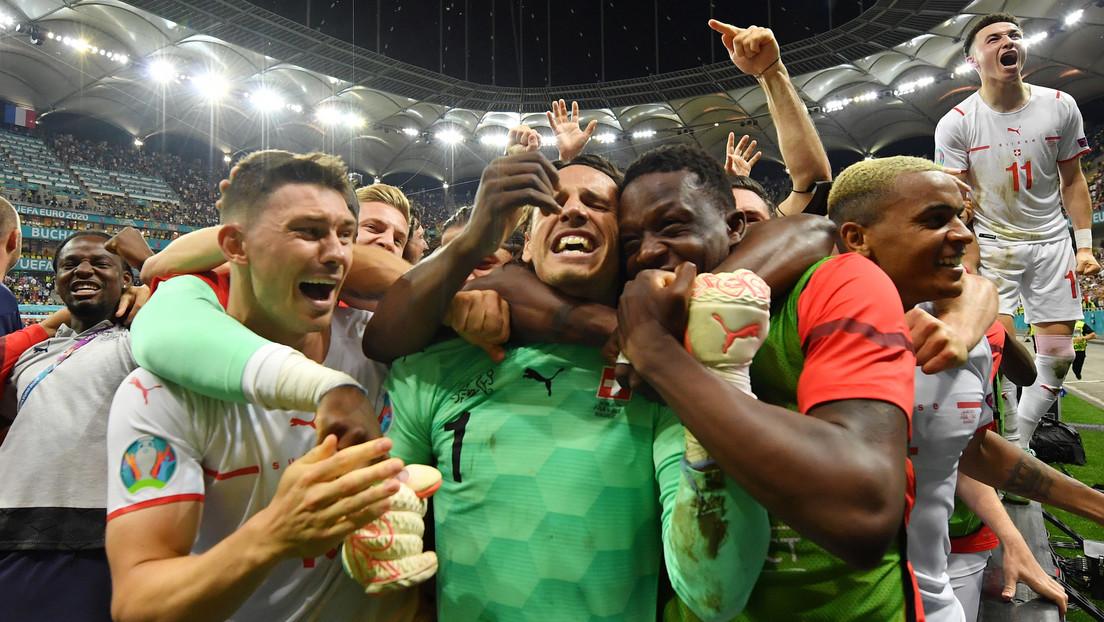 La selección de Suiza se impone ante Francia en los penaltis y pasa por primera vez a los cuartos de final de una Eurocopa