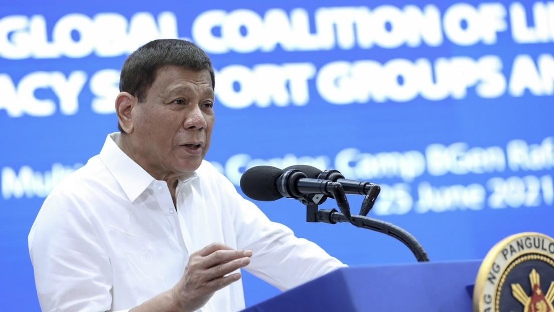 """""""Un'altra prostituta che fa politica"""": Duterte sfida Manny Pacquiao per le sue critiche alla corruzione"""