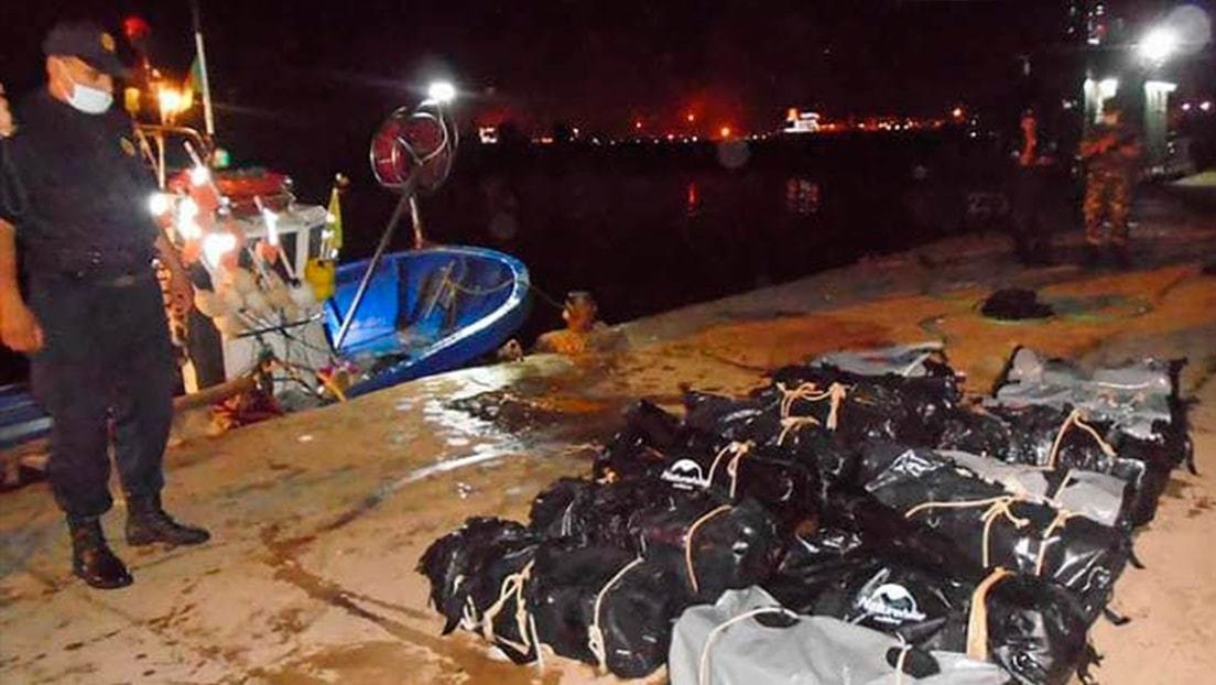 Casi media tonelada de cocaína aparece en bolsas flotantes en costas del Mediterráneo argelino