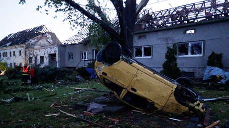 Un tornado arrasa con varias aldeas y deja decenas de heridos en la República Checa (VIDEOS)