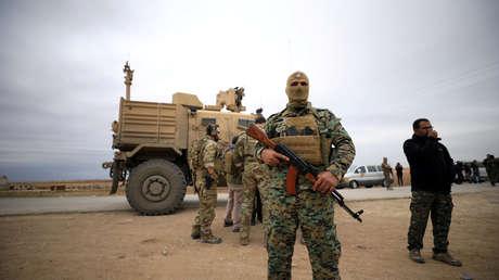 EE.UU. denuncia ataques con misiles contra sus tropas en Siria y responde con fuego de artillería
