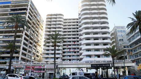 Confinan a unos 250 estudiantes en un hotel de 4 estrellas en España tras un megabrote de coronavirus y causan polémica
