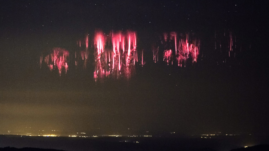 Un extraño fenómeno atmosférico ilumina de rojo el cielo nocturno estadounidense (FOTOS)