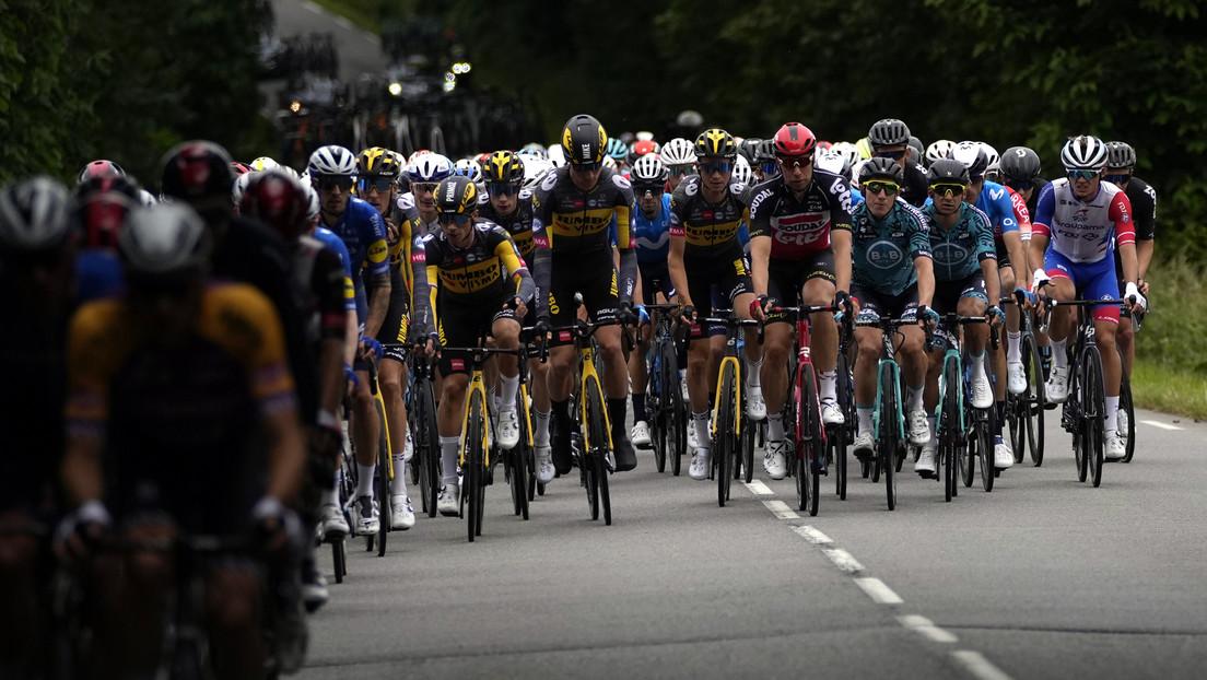 Rompen el silencio sobre los sentimientos de la aficionada que provocó la caída masiva en el Tour de Francia