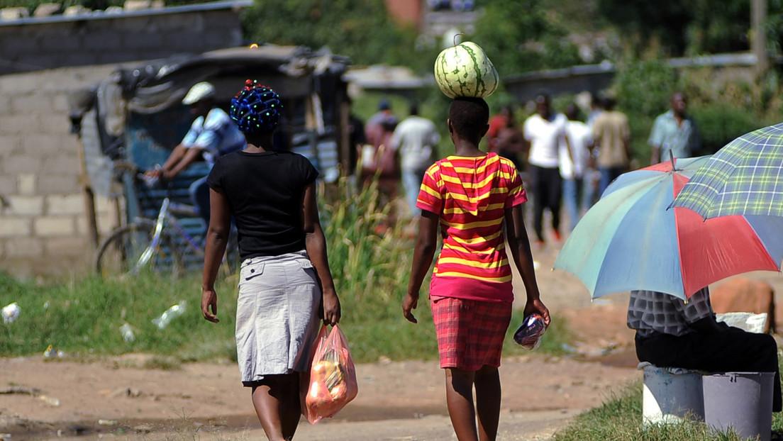 Acusan de asesinato a una joven que mató a su agresor sexual y desatan indignación en Zimbabue