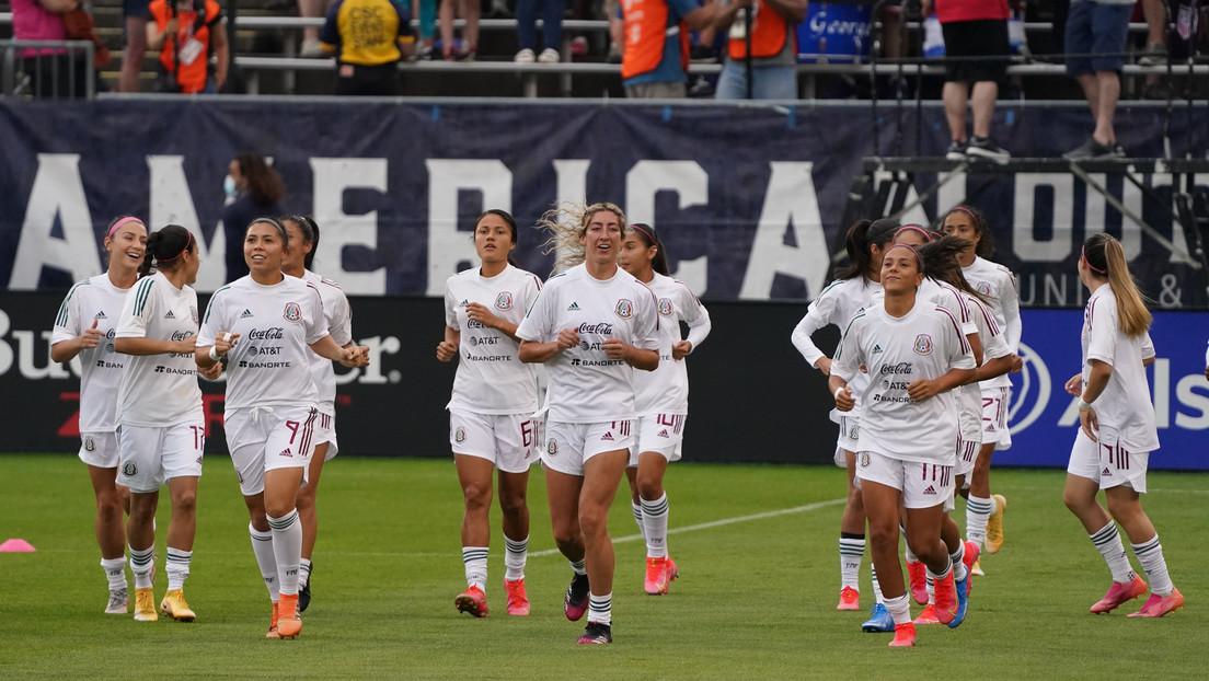 Machismo en la cancha: La selección varonil de fútbol de México es sancionada por homofobia y pretende que el equipo femenil pague la infracción