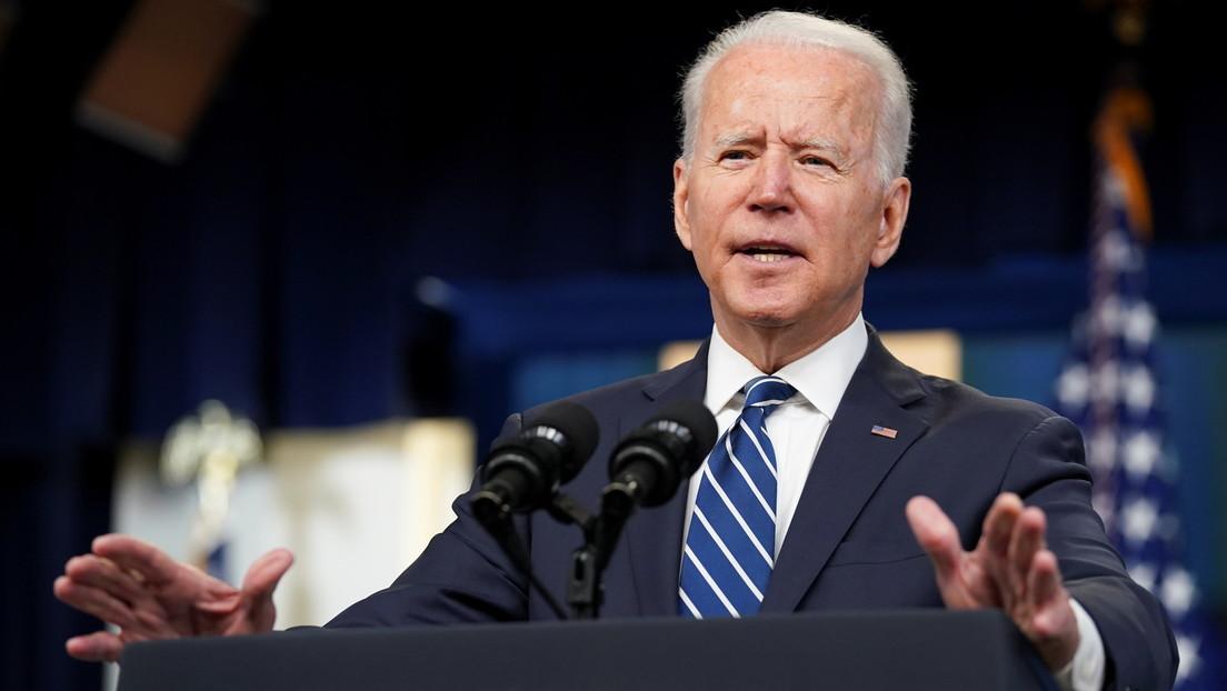 """""""Quiero hablar de cosas felices, hombre"""": Biden interrumpe a los periodistas tras ser preguntado sobre Afganistán (VIDEO)"""