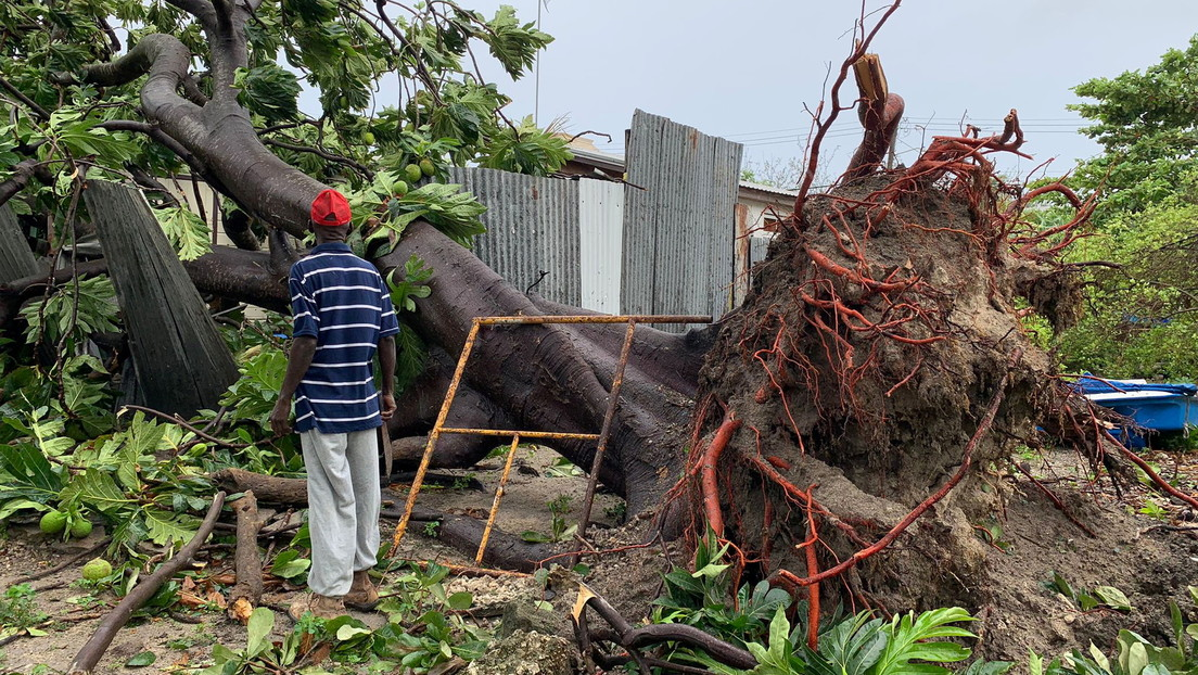 La tormenta tropical Elsa deja las primeras víctimas mortales a su paso por el Caribe