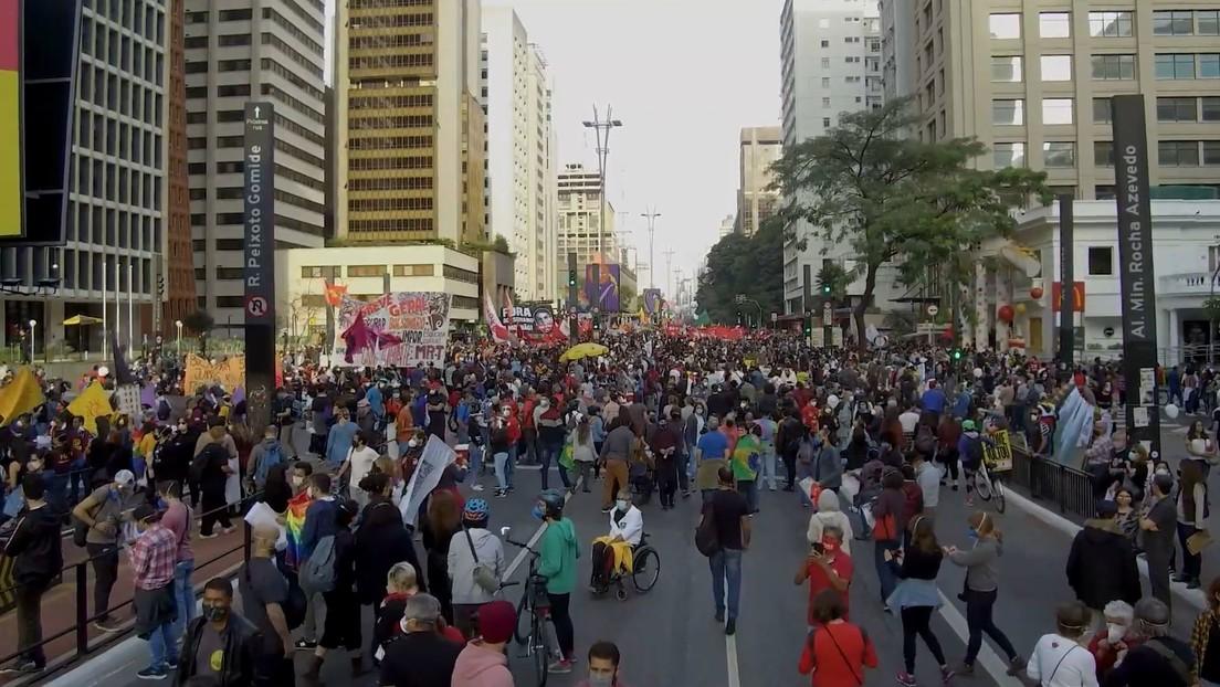 """""""Fuera Bolsonaro"""": nueva ola de protestas en Brasil contra el presidente y su gestión de la pandemia (VIDEOS)"""
