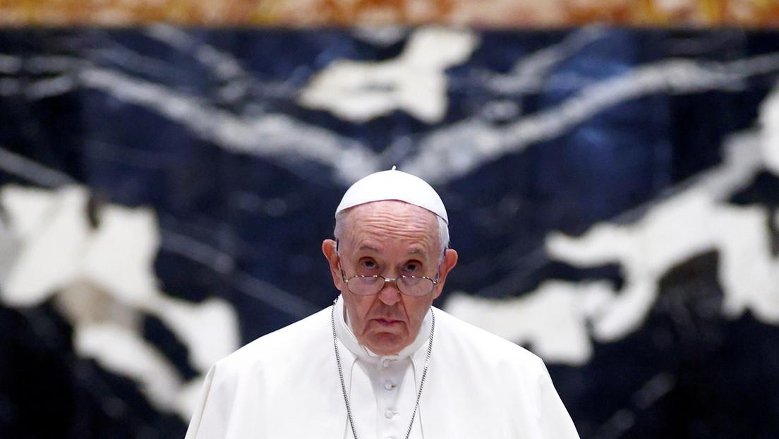 Internan al papa Francisco para realizarle una cirugía programada