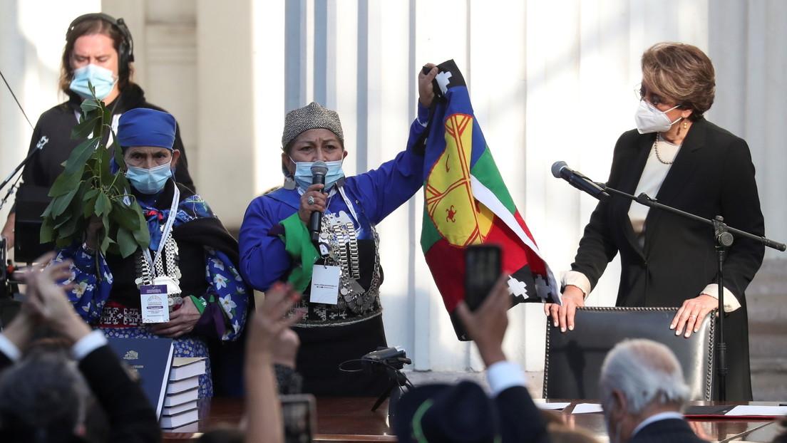 Elisa Loncón, representante del pueblo mapuche, es elegida para presidir la convención que redactará la nueva Constitución de Chile