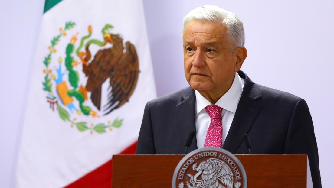 """López Obrador, sobre la explosión de un oleoducto submarino de Pemex en el golfo de México: """"Fue un accidente"""""""