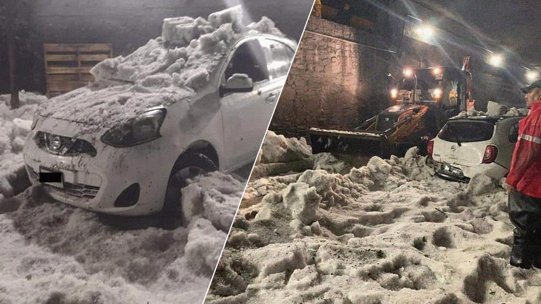 Un hombre muere por hipotermia al quedar atrapado en su automóvil durante una fuerte granizada en México (VIDEOS)