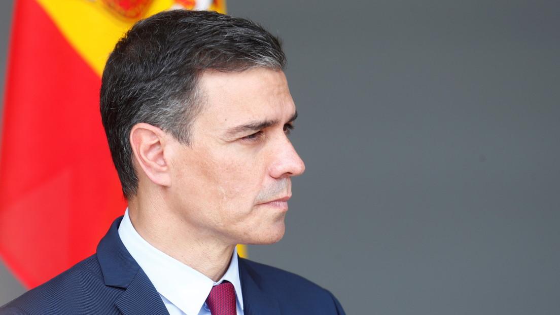 """El ministro de Consumo de España llama a comer menos carne y el presidente Pedro Sánchez lo desautoriza: """"Un chuletón al punto es imbatible"""""""