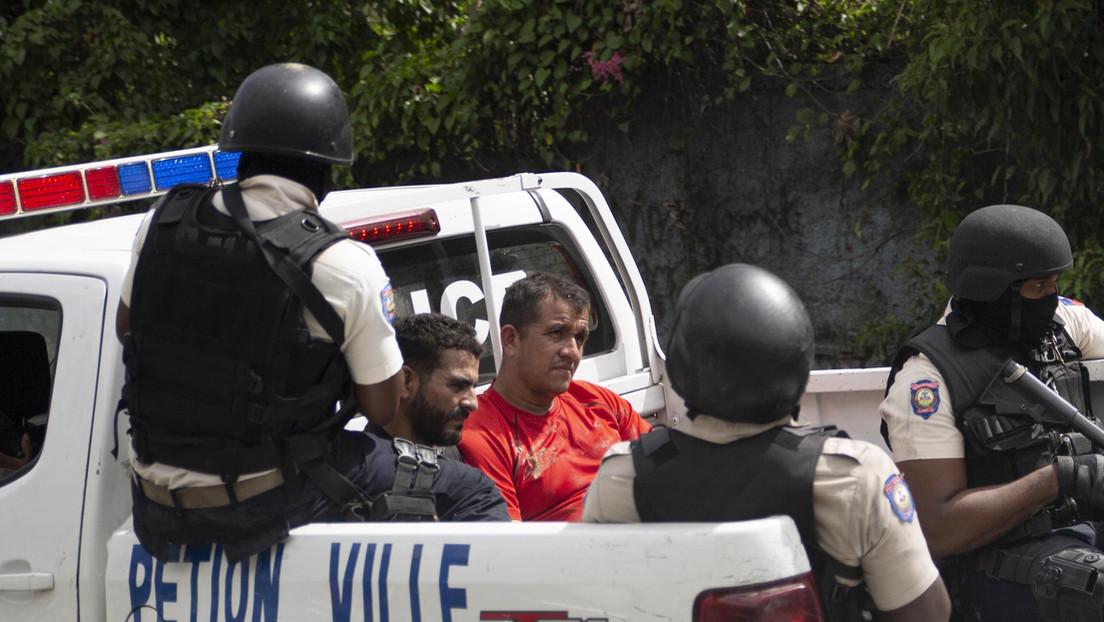 VIDEO: La población de Haití ayuda a la policía en la captura de otros dos sospechosos del asesinato del presidente Jovenel Moïse