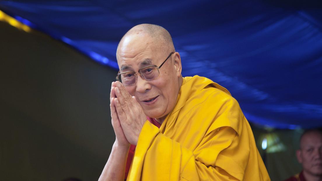 """El dalái lama está """"decidido a vivir al menos 110 años"""" (y comparte algunos secretos de la longevidad)"""