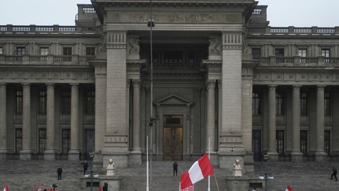 """Pugna de Poderes en Perú: La Corte Suprema le recuerda al Congreso que las decisiones judiciales son de """"obligatorio cumplimiento"""""""