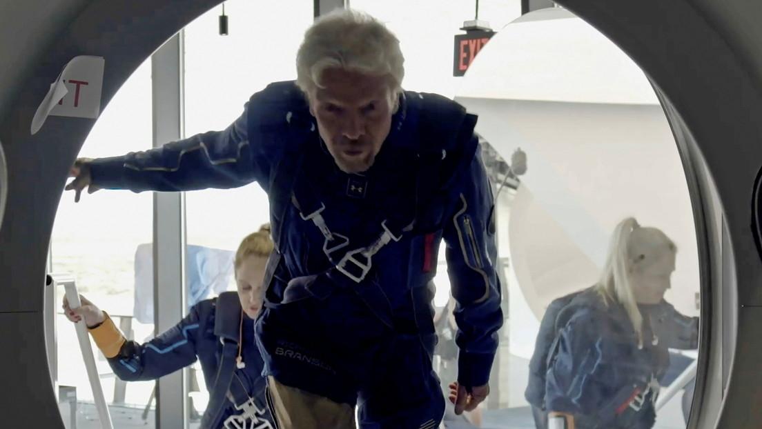 Video: Richard Branson viaja al espacio en el primer vuelo con pasajeros de Virgin Galactic