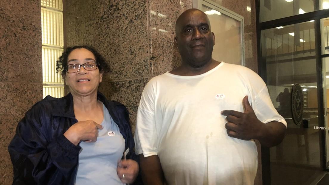 Hombre de Texas que esperó horas para poder votar es acusado de voto ilegal y se enfrenta a 40 años de prisión