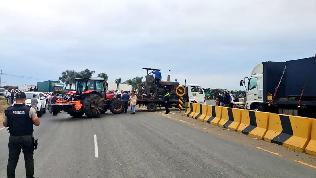 """""""Está despertando un monstruo"""": El sector agropecuario se paraliza en Ecuador y desafía a Lasso, que advierte con cárcel para sus promotores"""