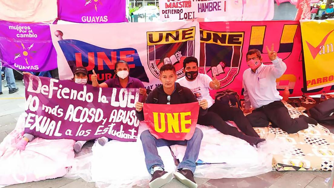 Por qué los maestros están en huelga de hambre en varias ciudades de Ecuador