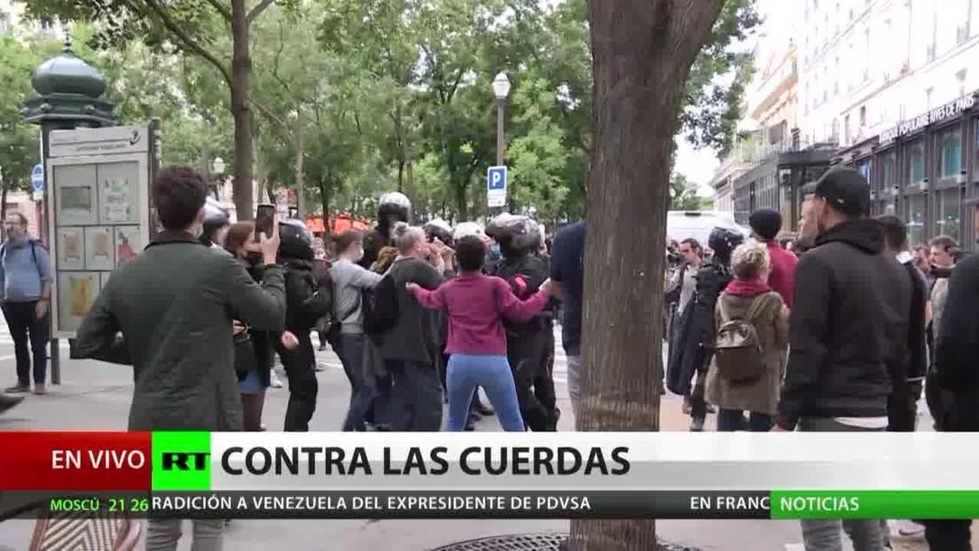 Protestas en Francia contra la introducción del pasaporte sanitario para entrar a lugares concurridos