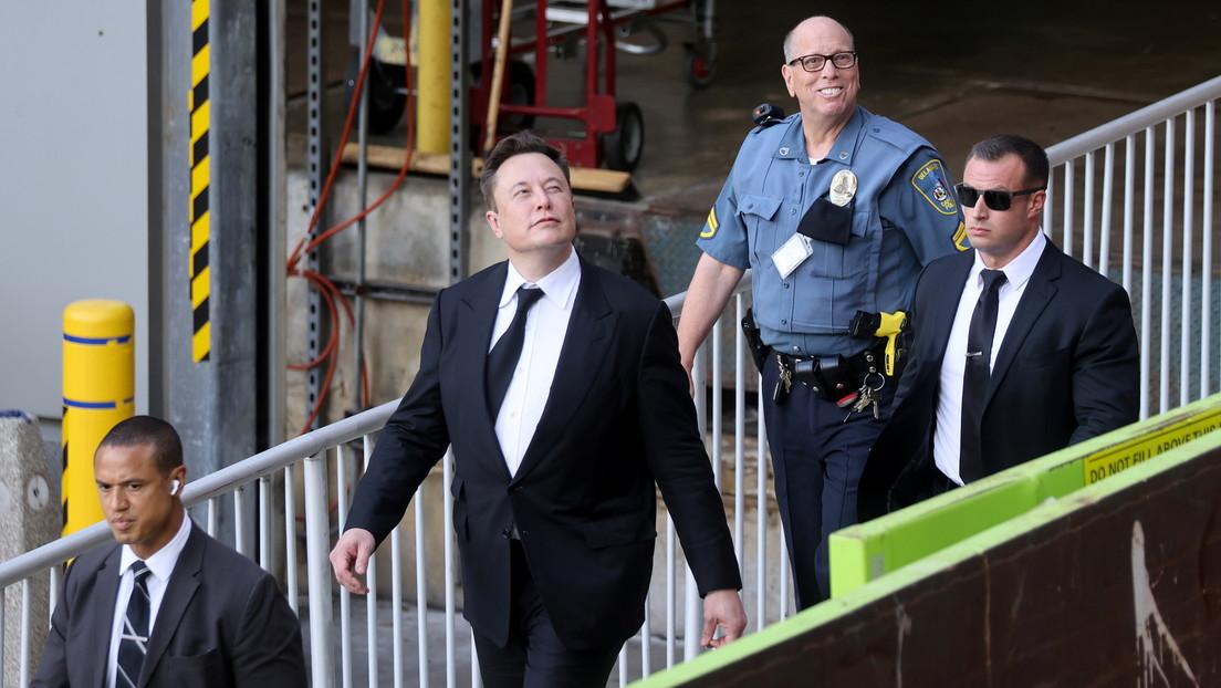 """Un tuit de Elon Musk exhorta a """"quienes atacan el espacio"""" y provoca una catarata de memes"""