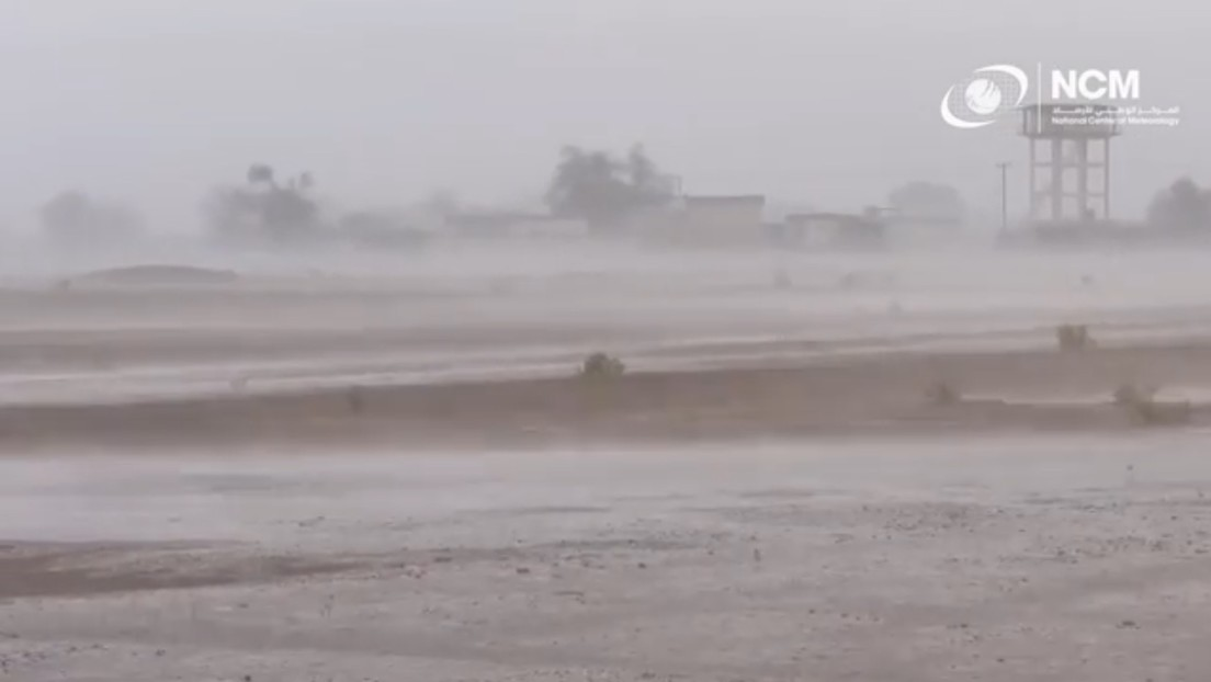 Emiratos Árabes Unidos provoca fuertes lluvias artificiales con una nueva tecnología en medio de una ola de calor de casi 50 grados (VIDEO)