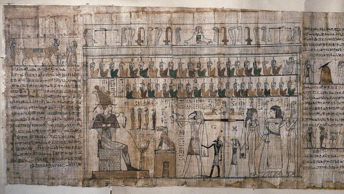 Egiptólogos encuentran en distintos continentes piezas de un 'puzzle' de restos del vendaje de una momia con hechizos del Libro de los muertos