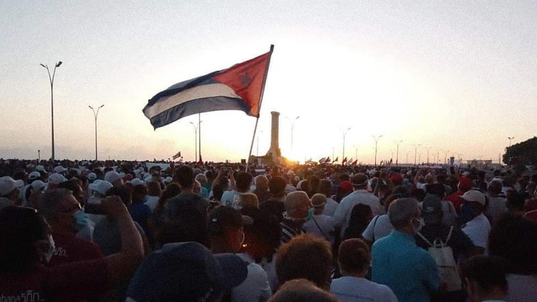 """Díaz-Canel llama a la unidad del pueblo ante más de 100.000 seguidores y denuncia que Cuba está """"bajo el fuego sofisticado de una ciberguerra"""""""