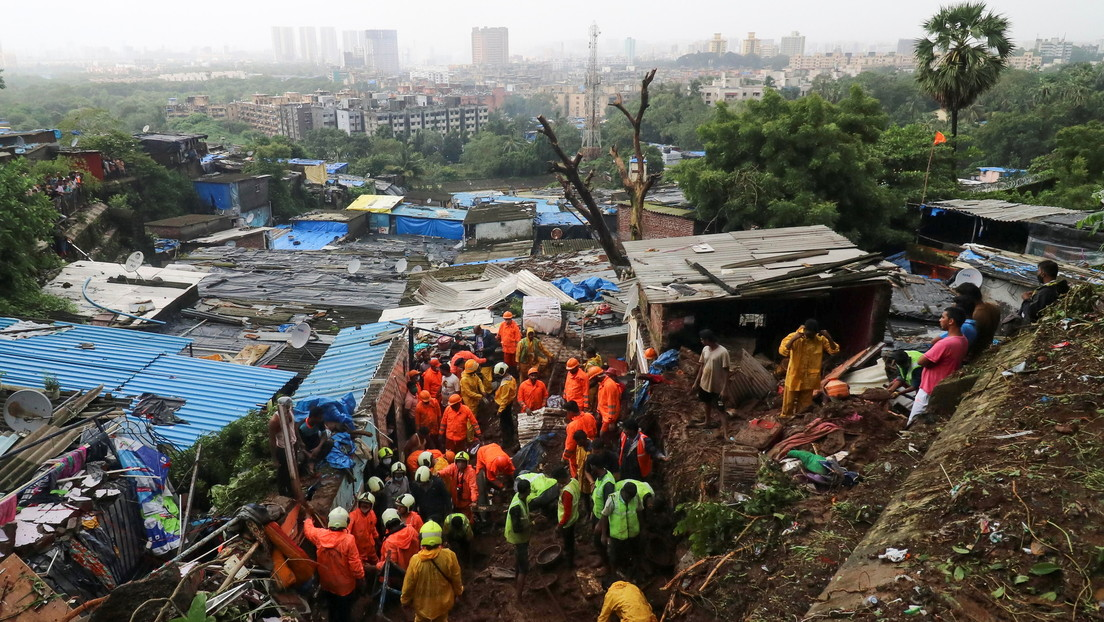 Deslizamientos de tierra matan a 20 personas tras las lluvias monzónicas en Bombay