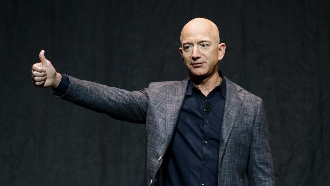 VIDEO: Jeff Bezos se lanza al espacio a bordo del segundo vuelo suborbital comercial
