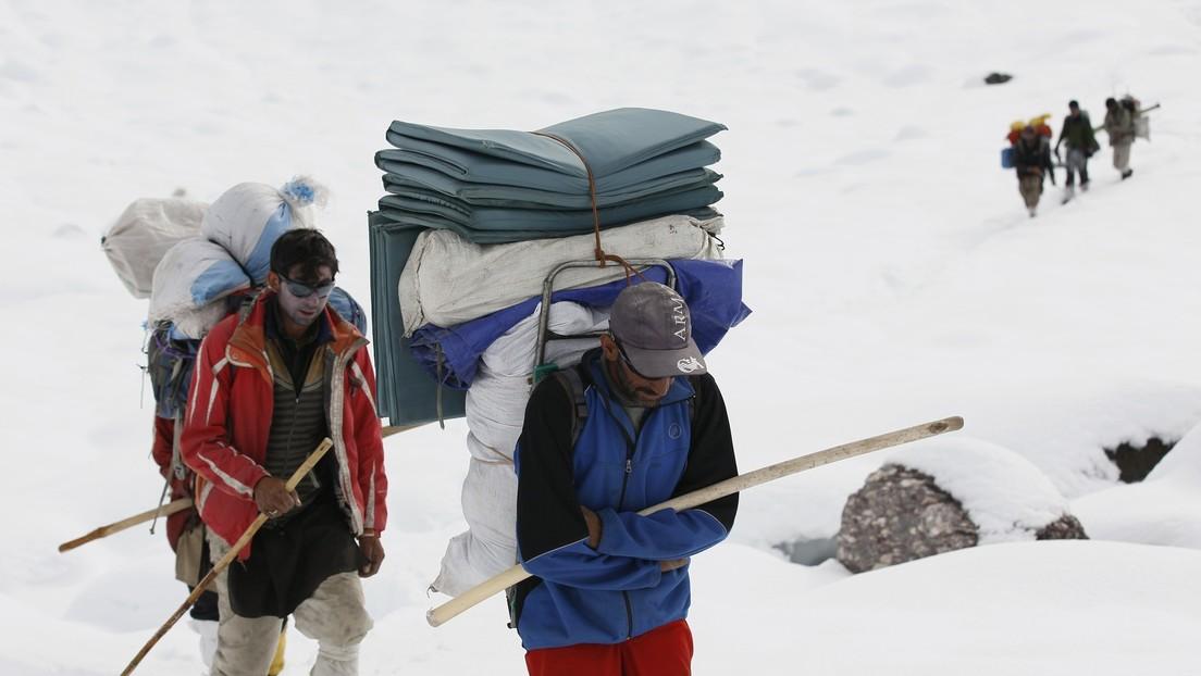 Escalador surcoreano hace de nuevo historia a sus 57 años y de seguidas desaparece al caer por una de las más altas montañas del planeta