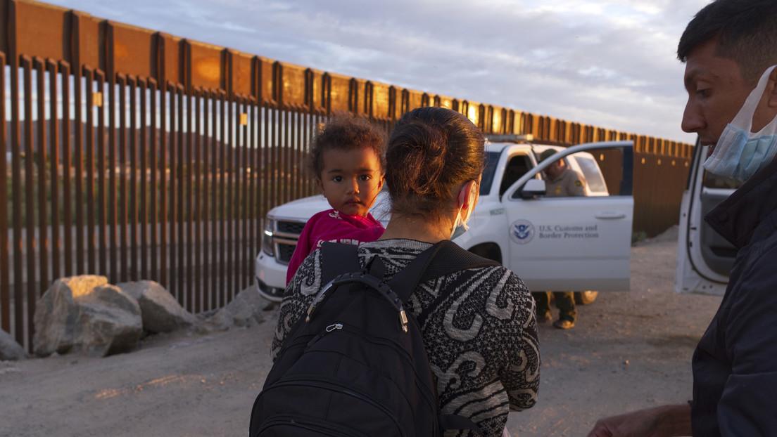 """Republicanos acusan a Biden de provocar la """"peor crisis migratoria"""" en la frontera sur en décadas"""