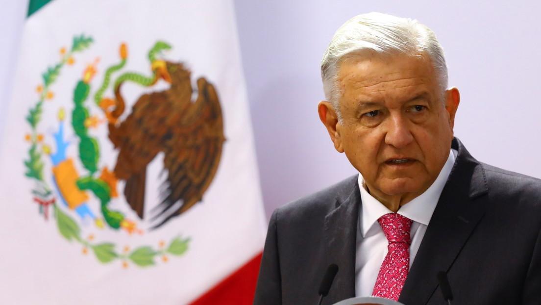 """López Obrador reitera que Assange """"debe de ser liberado porque está injustamente en la cárcel"""""""