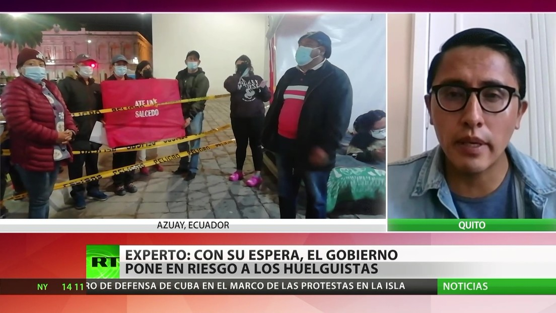 Maestros se autolesionan en protesta por la reforma educativa en Ecuador