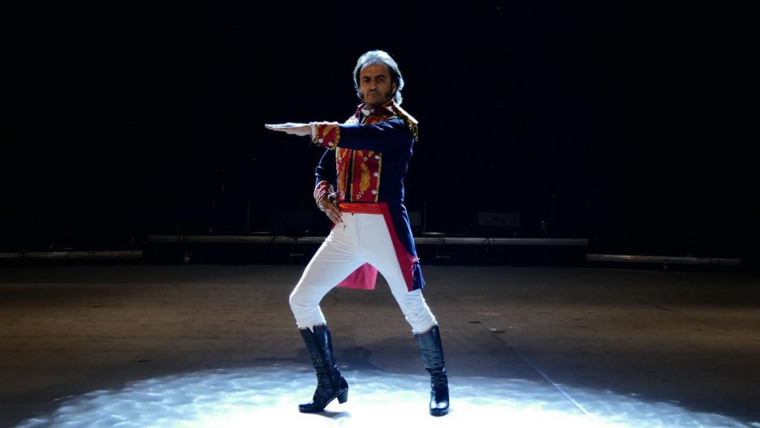 """""""Me gusta sentir que me digan provocador"""": El bailaor español que viaja a Venezuela para encarnar en el escenario a Simón Bolívar"""