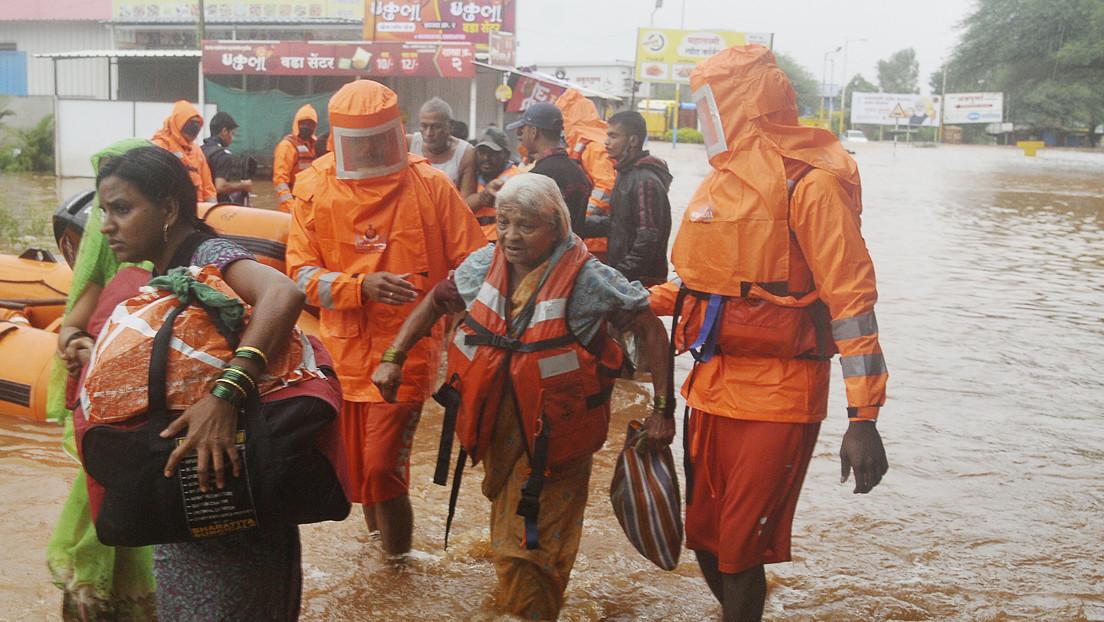 Fuertes lluvias en el oeste de la India dejan 129 muertos (VIDEOS)