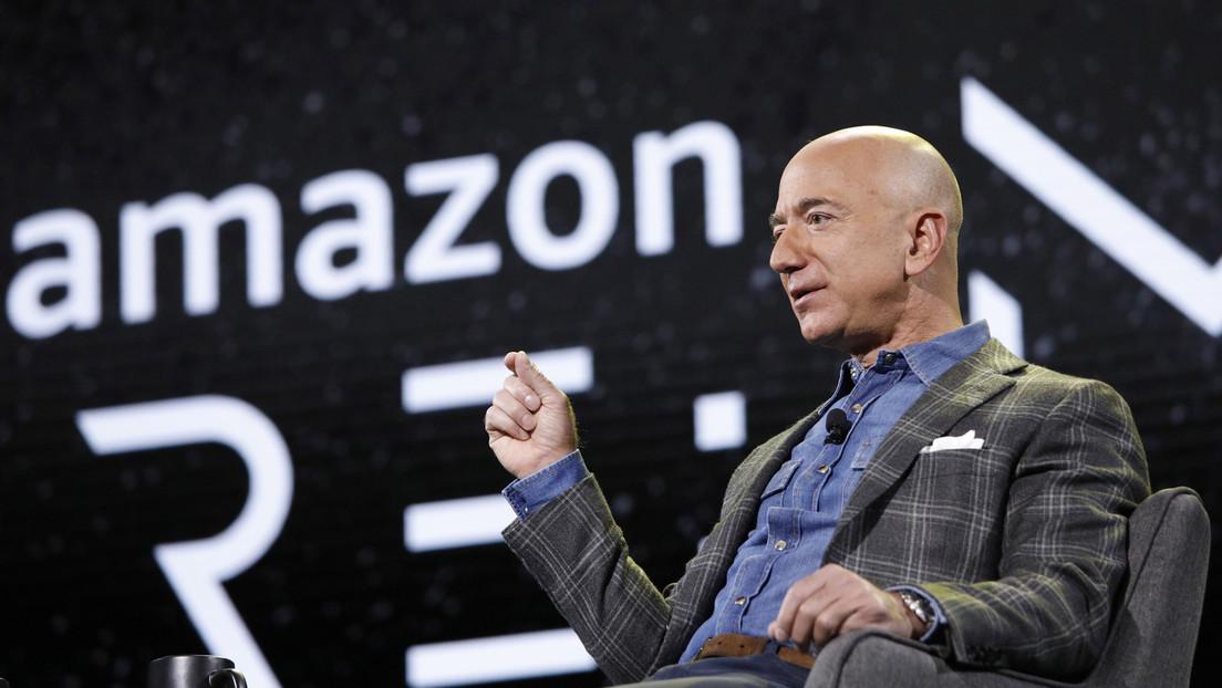 El joven que acompañó a Jeff Bezos en su vuelo al espacio le dijo que nunca había comprado nada por Amazon