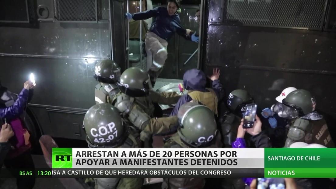 Chile: Arrestan a más de 20 personas por apoyar a manifestantes detenidos