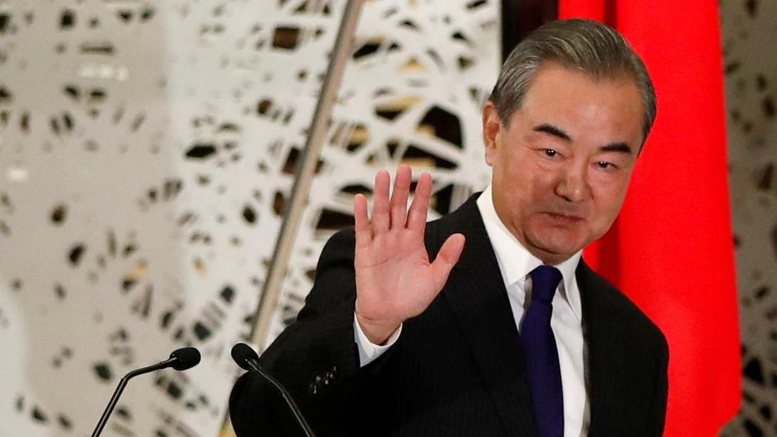 """China advierte que está dispuesta a darle a EE.UU. un """"tutorial"""" sobre cómo tratar por igual a otros países si es necesario"""