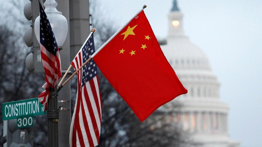 """Pekín acusa a EE.UU. de hacer de China un """"enemigo imaginario"""" y exige el levantamiento de las sanciones durante unas conversaciones de alto nivel"""