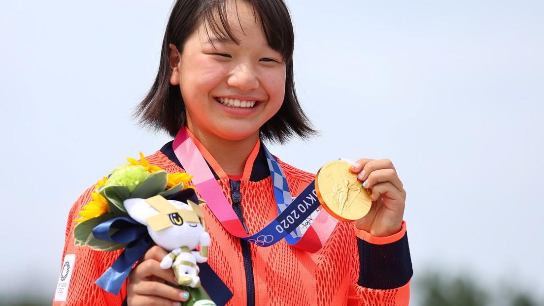 La japonesa Momiji Nishiya gana la medalla de oro de 'skateboarding' con tan solo 13 años
